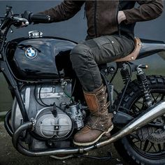 "230 Likes, 8 Comments - Alfio Pappalardo (@thegoldblackmagazine) on Instagram: ""The perfect shot. BMW rlOO scrambler. @sergioibarraphoto @icon1000 #bmw #r100 #icon1000…"""