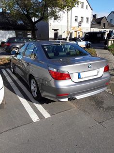 BMW 530d  E60 Original 77.000 KM AUTOMATIK LEDER GROSSES NAVI DPF UNFALLFREI UVM