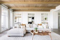 Coastal Living Rooms, Living Room Decor, Living Spaces, Types Of Ceilings, Style Me Pretty Living, Minimalist Interior, Modern Minimalist, Decor Styles, Interior Design