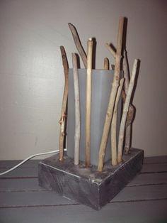 boule r alis avec de nombreux petits morceaux de bois flott et beaucoup de patience mes. Black Bedroom Furniture Sets. Home Design Ideas