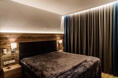 Akzentbeleuchtung im Schlafzimmer durch indirekte LED-Lichtleiste. Decor, Furniture, Lighting, Led, Home Decor, Bed, Led Lights