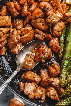 Garlic Butter Chicken Bites and Lemon Asparagus - - So much flavor and so easy to throw together, this chicken and asparagus recipe is a winner for dinnertime! - by chicken recipes Garlic Butter Chicken Bites with Lemon Asparagus Asparagus Recipe, Lemon Asparagus, Chicken Asparagus, Recipes With Asparagus, Asparagus Skillet, Lemon Zucchini, Garlic Butter Chicken, Hoisin Chicken, Pepper Chicken