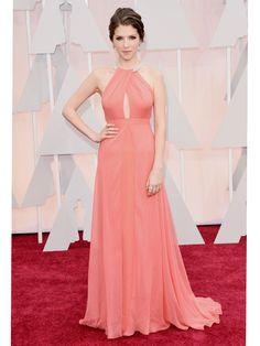 un vestido coral suave de Thakoon. Un estilo  sencillo,  muy elegante, nunca pasa de moda http://wp.me/p1WwjW-2gk Las mejores vestidas en los #Oscar