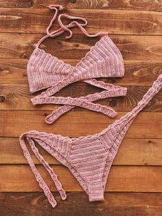 Motif Bikini Crochet, Crochet Bikini Bottoms, Crochet Bra, Crochet Crop Top, Crochet Clothes, Diy Crochet Swimsuit, Tops Tejidos A Crochet, Maquillage Yeux Cut Crease, Mode Du Bikini