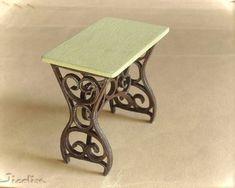 Après le fauteuil, j'ai eu envie d'imiter les belles formes des tables en fer forgé ou en fonte, mais là, le résultat est trop massif. ...