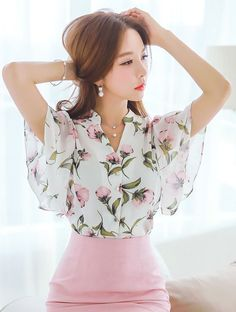 StyleOnme_Floral Print Flared Sleeve Chiffon Blouse #flower #floral #patterned #print #blouse #summer #koreanfashion #elegant #cute #pretty #kstyle