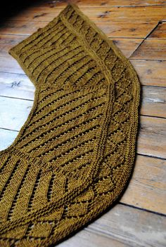 Gyllis - Stephen West. His slip stitch work gets all of the attention, but this lace piece is simple and elegant. #knitindie