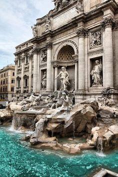 Fontana de Trevi, Rome Italy. Next to it i had the creamiest ice cream ever . Tbt
