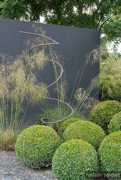 Jardin on pinterest buxus garden sculptures and pipes - Taille du buis en boule ...