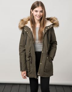 23 Women Winter Cold Weather Outfit Ideas With Parka Winter Mode Outfits, Cold Weather Outfits, Winter Fashion Outfits, Winter Outfits, Casual Outfits, Women's Casual, Militar Jacket, Top Mode, Winter Jackets Women