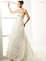 Armani Wedding Dress - So you have decided on a wedding concept and now you need to get beach wedding gowns that go with y La Sposa Wedding Dresses, Wedding Dress 2013, Designer Wedding Gowns, Used Wedding Dresses, Cheap Wedding Dress, Wedding Dress Styles, Bridal Gowns, Designer Dresses, One Shoulder Wedding Dress