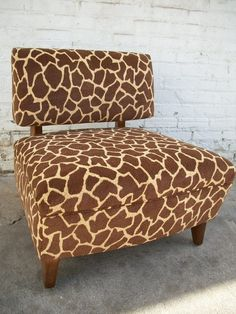 giraffe print chair for the playroom