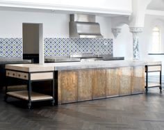 A patinated brass-clad island in a converted Oxfordshire church, designed by Rupert Bevan with Harriet Holgate. Brass Clad Kitchen Island by Rupert Bevan Kitchen Inspirations, Kitchen Worktop, Metal Kitchen, Kitchen Space, Kitchen Interior, Kitchen, Vintage Tile, Brass Kitchen Island, Brass Kitchen