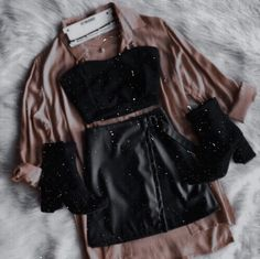 Outfits for teens, going out outfits, trendy outfits, school outfits, spring outfits Teen Fashion Outfits, Edgy Outfits, Cute Casual Outfits, Mode Outfits, Grunge Outfits, Look Fashion, Outfits For Teens, Korean Fashion, Fall Outfits
