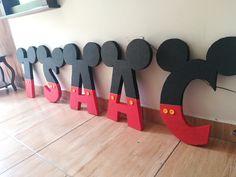 @mundoartepapeleria síguenos!! Mickey Mouse, Kids Rugs, Home Decor, Lyrics, Decoration Home, Kid Friendly Rugs, Room Decor, Home Interior Design, Baby Mouse