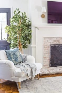 Neutral Fall Faux Greenery | Why ditching traditional fall colors is a better decorating decision to stretch your dollars   the best neutral fall greenery and decor on sale.