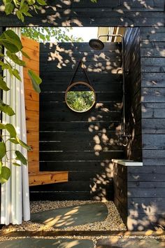 5 Luxurious Outdoor Showers That Give Bathtubs a Run for Their Money