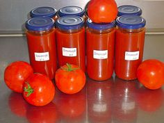 Tomato sauce in stock - All Salad Types and Recipes Cucumber Salad, Sauce Recipes, Pesto, Dips, Traveling By Yourself, Veggies, Food And Drink, Yummy Food, Stuffed Peppers