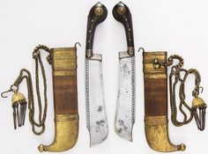 Indian (Kodagu) pichangatti, 18th to 19th century, seel, wood, brass, horn, H. with sheath 12 1/4 in. (31.1 cm); H. without sheath 11 1/4 in. (28.6 cm); W. 1 3/4 in. (4.5 cm); Wt. 10.5 oz. (297.7 g); Wt. of sheath 8.7 oz. (246.6 g), Met Museum, Bequest of George C. Stone, 1935.