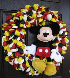 Love everything Disney?  several bags of balloons, add Mickey or character of your choice for a welcome sure to make visitors smile.  Would make a great wreath for themed parties as well.