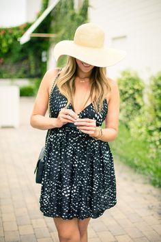Little Summer Dress ( Hats & Graphic Dresses )