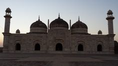 the Derawar Fort Mosque