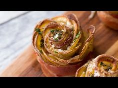 Bacon-Wrapped Potato Roses - News Break Bacon Wrapped Potatoes, Bacon Potato, Potato Sides, Potato Side Dishes, Sliced Potatoes, Rose Potato, Bacon Roses, Buzzfeed Tasty, How To Cook Potatoes