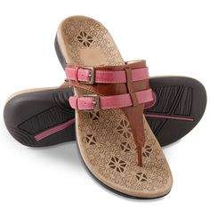 These are the adjustable sandals that help to combat the effects of plantar fasciitis with a comfortably soft, stabilizing orthotic footbed that provides superior arch support. Sport Sandals, Women's Shoes Sandals, Leather Sandals, Shoe Boots, Comfortable Walking Sandals, Baby Shoes Pattern, Shoes Photo, Walk In My Shoes, Womens Slippers