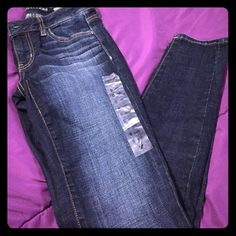 American eagle skinny jeans size 0 Skinny jeans short . Brand new American Eagle Outfitters Jeans Skinny