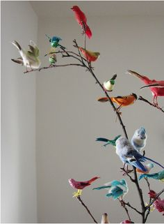faux birdies on a vraie branch