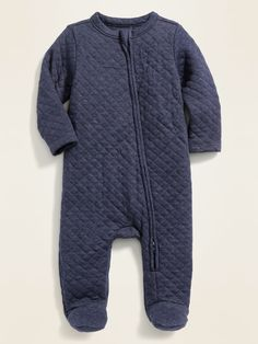 The baby boy clothes collection at Old Navy has all the latest styles and essentials for your baby boy including onesies, PJs, and playsets. Camouflage Baby, Toddler Boy Gifts, Toddler Boy Fashion, Baby Girl Jeans, Girls Jeans, Carters Baby Boys, Baby Boy Newborn, Baby Outfits, Camo Baby Stuff