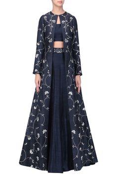 Sana Barreja presents Black embroidered lehenga with jacket set available only at Pernia's Pop Up Shop. Ethnic Fashion, Hijab Fashion, Indian Fashion, Fashion Dresses, Indian Wedding Outfits, Indian Outfits, Wedding Attire, Indian Gowns, Pakistani Dresses