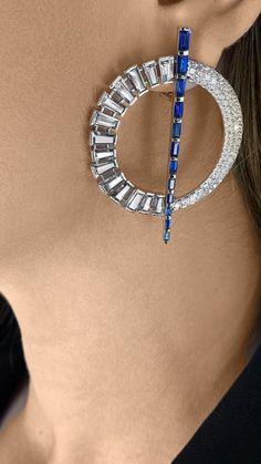 Diamond Jewelry, Gold Jewelry, Jewelry Accessories, Jewelry Ideas, Girls Earrings, Rose Gold Earrings, Ear Studs, Designer Earrings, Indian Jewelry