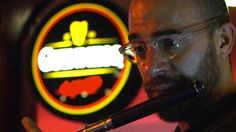 BBC News - Cleveland Orchestra plays in bars to reach new audiences