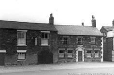 'Eagle and Child', Billinge, Lancashire c. 1960 MSE - The Frank Sheen Collection 2 - St Helens Town, Saint Helens, Family Album, Working Class, Photographs, Photos, Buildings, Eagle, Public
