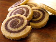 une recette simple et facile du sablés escargots.vous pouvez le manger au goûter avec du café ou au petit déjeuner.