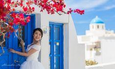 Santorini photographer Alexander Hadji: book a photo shoot now! Santorini Photographer, Bright Colors, Colours, Santorini Wedding, Wedding Photos, Photoshoot, Marriage Pictures, Bright Colours, Vivid Colors