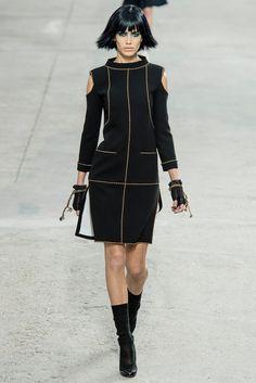 Chanel Spring 2014 Ready-to-Wear Fashion Show - Amanda Wellsh (IMG)