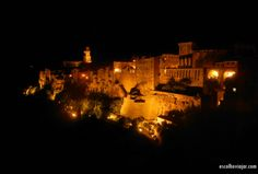 Pitigliano à noite - Italia Night, Traveling, Destinations, Italy, Pictures