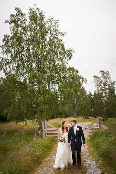 Jeg fotograferer bryllup der du måtte ønske. Her fotograferte jeg Kari og Kristian ved Isesjø hvor de hadde fått tilgang til et område med privat strand, jorder og skog.   #bryllupsinspirasjon #bryllupinspirasjon #bryllupinspo Dolores Park, Studios, Travel, Nature, Creative, Pictures, Viajes, Destinations, Traveling