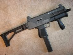 MAC-10 | Thread: i'm considering a MAC-10. let's hear the upsides and downsides ...