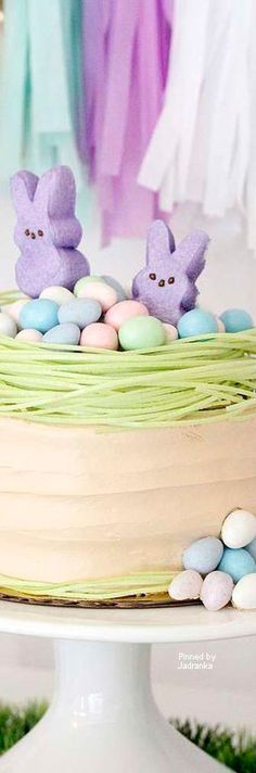 Party Ideas, Inspirations, and Themes Hoppy Easter, Easter Eggs, Happy Spring, Spring Time, Marshmallow Peeps, Chocolate Bunny, Easter Parade, Minecraft Party, Easter Table