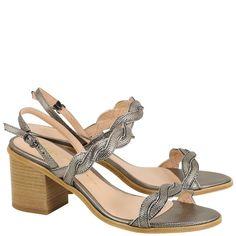 3805e34de Acquarelashop - A primeira boutique online de sapatos do Brasil - Sandália Salto  Médio Luiza Barcelos