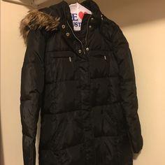 Michael Kors faux Fur Trimmed Puffer Jacket Slightly worn medium size black jacket. Just dry cleaned. Michael Kors Jackets & Coats Puffers