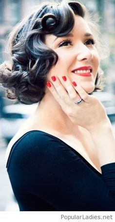 old-fashion-hairstyle-inspiration-with-red-lips-and-nails