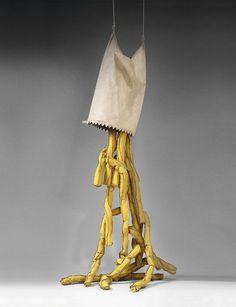 """""""Shoestring Potatoes Spilling From a Bag"""" (1966), de Claes Oldenburg"""