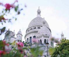 Sacré Coeur, Montmartre, Paris. Photo by allee des roses