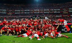 Benfica Wallpaper, Soccer Stars, Himym, Foto E Video, Dolores Park, World, Instagram, Sports, Movie Posters