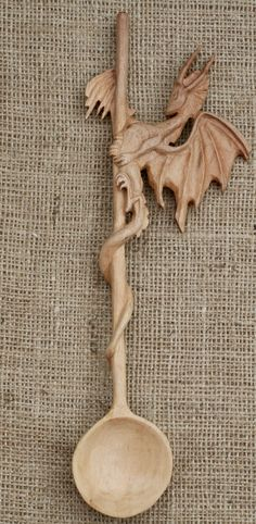 Welsh Love Spoons, Dremel Wood Carving, Wood Comb, Carved Spoons, Wood Spoon, Bone Carving, Wood Creations, Wood Patterns, Whittling