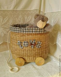 Rolling toy basket with pull - so cute and easy to do yourself.